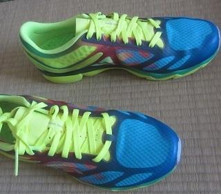 李宁 超轻12代 减震跑鞋休闲运动鞋 ARBK019