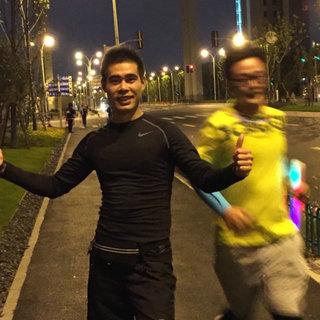 跑遍上海十大最美夜景——万圣荧光趴
