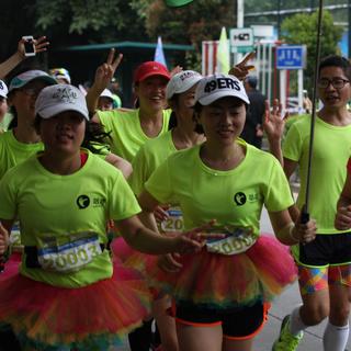 2015深圳女子马拉松赛
