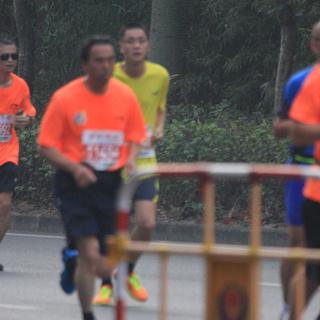 2013深圳安琪国际马拉松