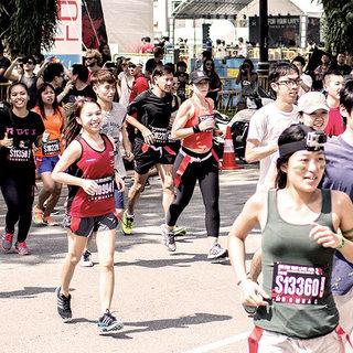 "2015 ""Run For Your Life 求生之旅""僵尸跑深圳站"
