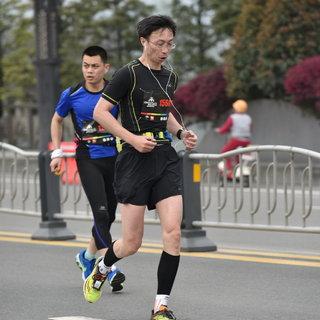 2016 成都双遗马拉松
