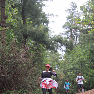 2015 中国昆明世界地球日为地球奔跑21公里山地半程马拉松赛