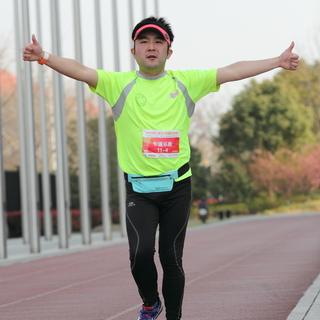 首届上海10小时超级马拉松赛