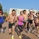 昆明海埂公园裸奔迎新年10公里光猪跑