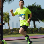 2014珠海半程马拉松  终点前100米,时间:1:30~2:00