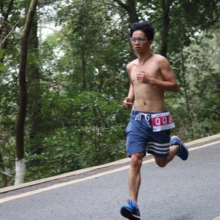 Salomon城市越野跑裸奔迎春节10公里光猪跑