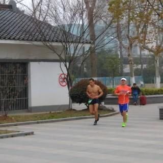 2016 南京首届100KM超级环湖挑战赛